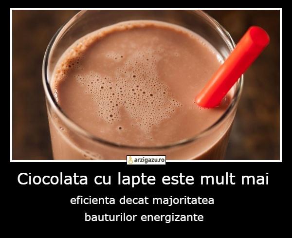 Ciocolata cu lapte este mult mai eficienta decat majoritatea  bauturilor energizante